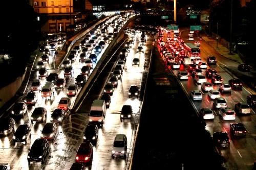 Congestionamento_no_Vale_do_Anhagabaú